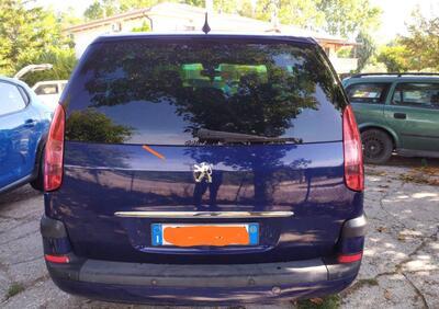 Peugeot 807 HDi FAP SR usata