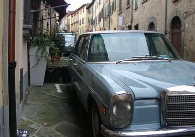 Mercedes-Benz w115  epoca